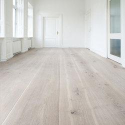 Houten vloer in klassiek interieur