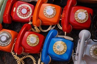 retro telefoons met draaischijf