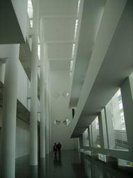Interieur van de hal in een museum in Barcelona.