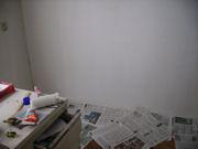Schilderen van een kamer.