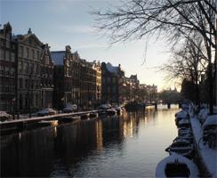 Uitzicht bij een wandeling op de Amsterdamse grachten